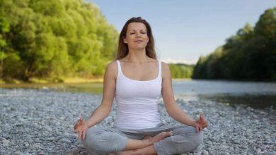 Bild von Exklusiv: Praktizieren Sie Yoga, um die körperliche und geistige Gesundheit während der COVID-19-Pandemie zu verwalten |  Gesundheitsinfo